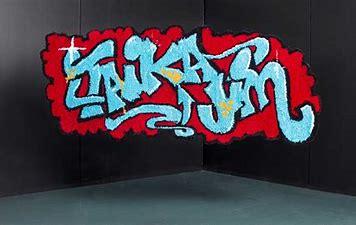 Niina Mantsisen graffitiryijynäyttely Merikeskus Vellamossa