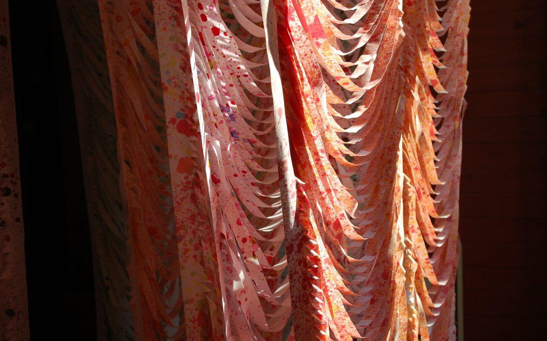 Johanna Pöykön tekstiiliteosten näyttelysarja alkaa Oulusta toukokuussa