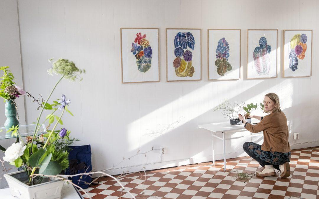 Tanja Vallan Loistava kukka -näyttely Galleria Maarissa Porvoossa